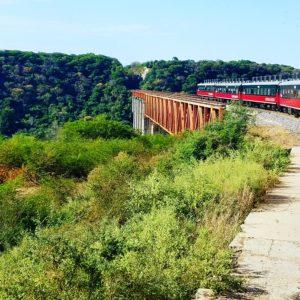 copper-canyon-train-on-bridge